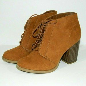 Call It SPRING Chunky Heel Bootie Womens 10